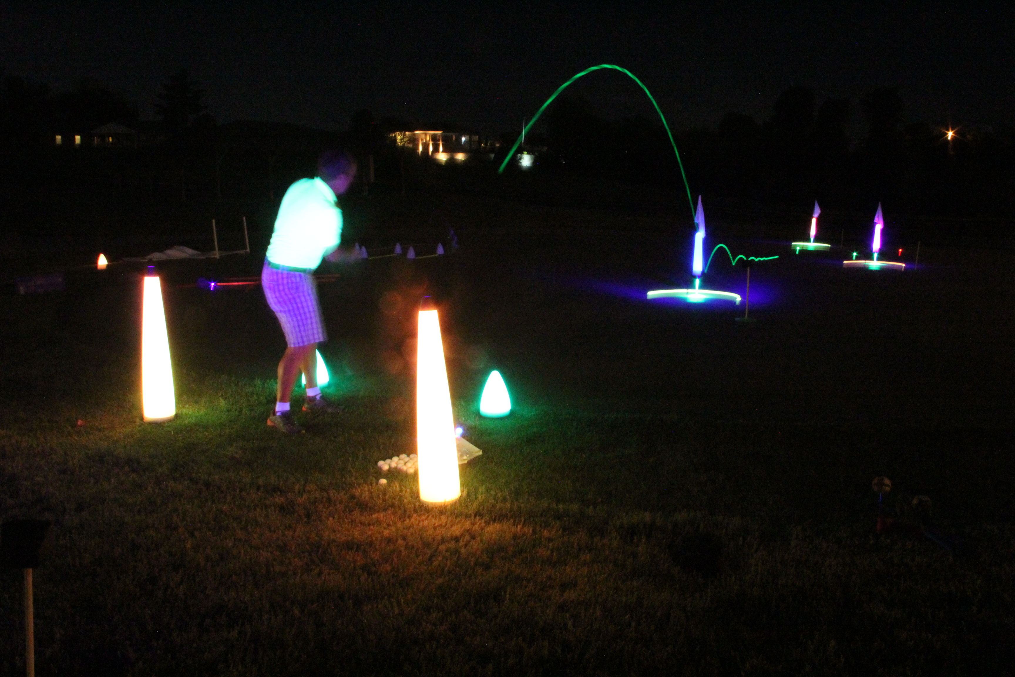 40″ UV GLOW BALL CHARGER – Tee Box Light 22