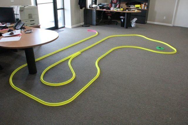 OFFICE GOLF – 1 hole putting track kit 11